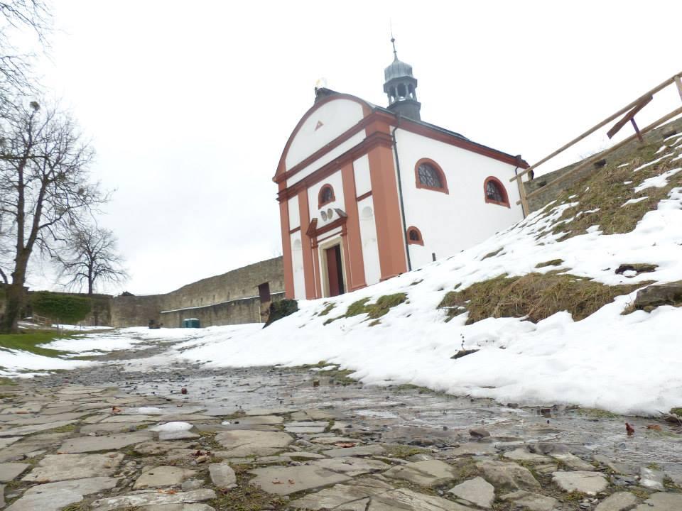 hradní kaple Hukvaldy.jpg