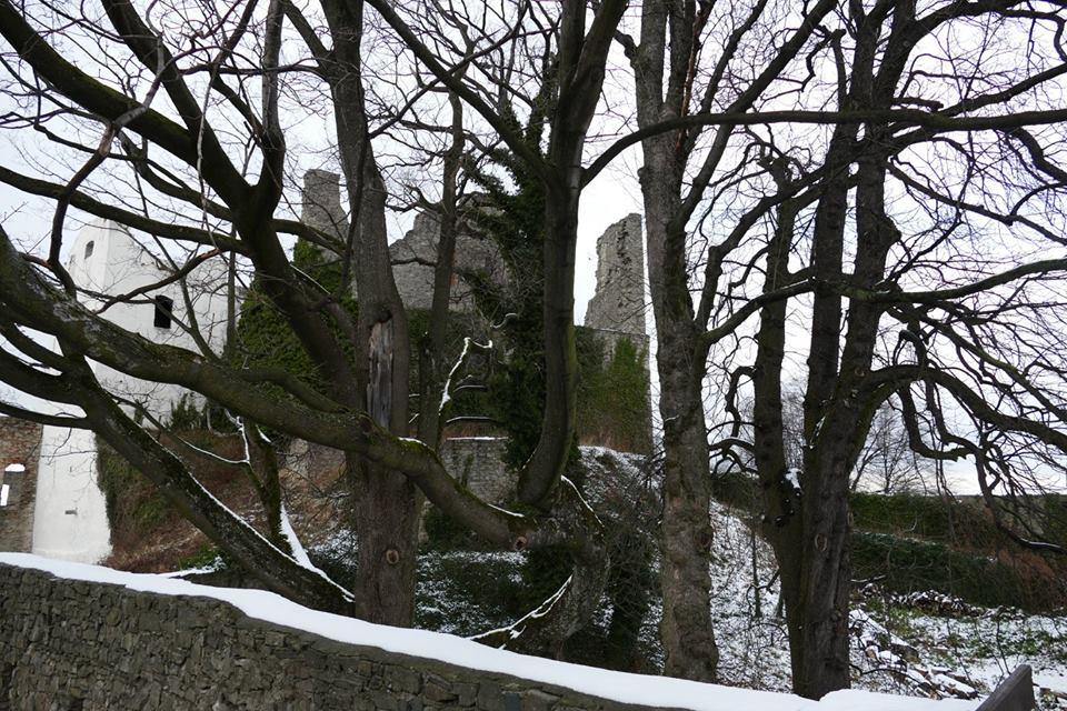 vstupné hrad Hukvaldy.jpg