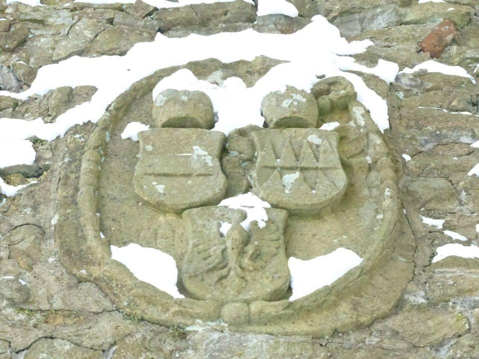 znak hrad Hukvaldy 73.jpg